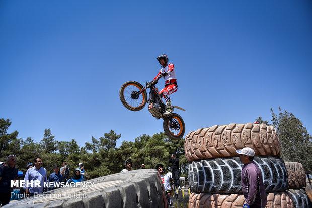 الجولة الثانية من مسابقات البطولة الوطنية لدراجات قفز الحواجز في طهران / صور