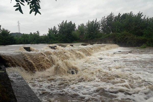 طغیان رودخانه - کراپشده
