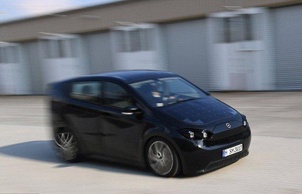 تصاویری از خودرویی با سقف خورشیدی/ تهویه با خزه ایسلندی