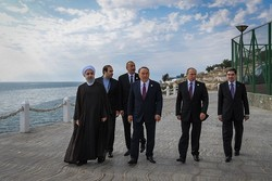 Littoral states presidents release baby fish in Caspian Sea to mark friendship