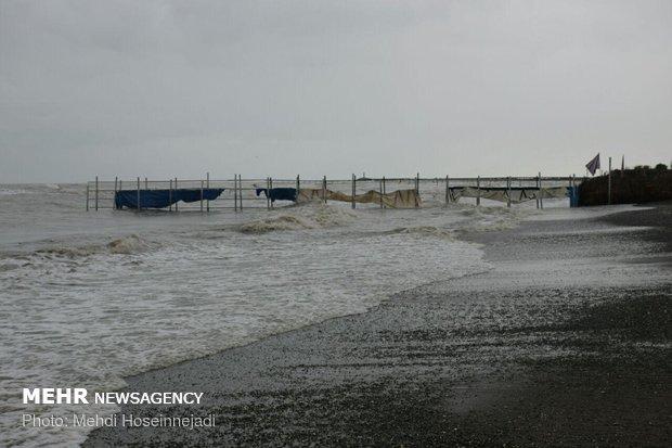 High waves of Caspian deal damage to Astara