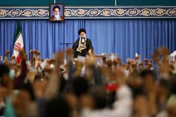 استقبال قائد الثورة  لآلاف من شرائح الشعب الإيراني