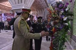 Iraqi cmdr. pays tribute to Imam Khomeini