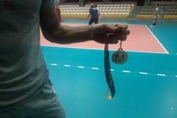 انتقاد ملی پوش والیبال از اهدای مدالهای فصل گذشته لیگ