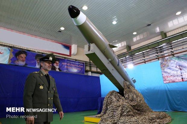 رونمایی از نسل جدید موشکهای نقطه زن فاتح مبین