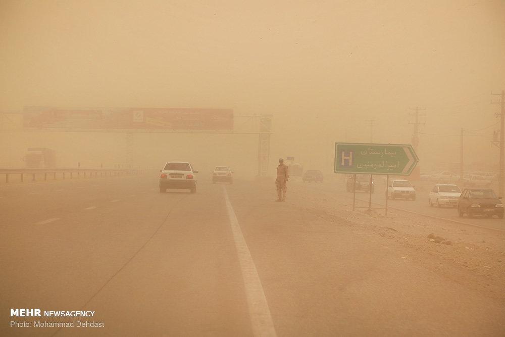 طوفان سیستان موضوعی تکراری برای مسئولین و دردی همیشگی برای مردم
