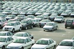 ورود بخت آزمایی به صنعت خودرو عجیب است / عرضه در بورس عامل ایجاد شفافیت در بازار