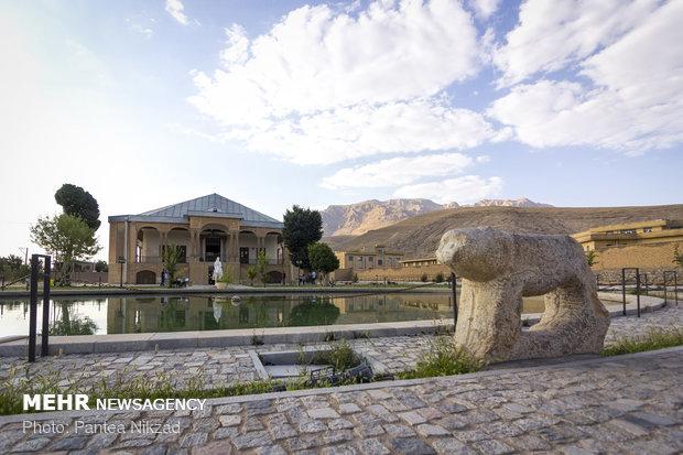 قلعه سردار اسعد بختیاری نیممیلیمتر نشست کرد