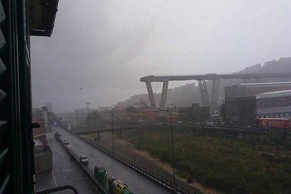 اٹلی میں موٹروے پل گرنے سے کم ازکم 30 افراد ہلاک