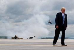 ئامادهبوونی ترامپ له مهشقی سهربازی سوپای ئهمریکا