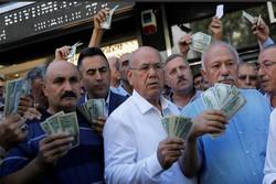 Dolar/TL 8 lirayı geçti