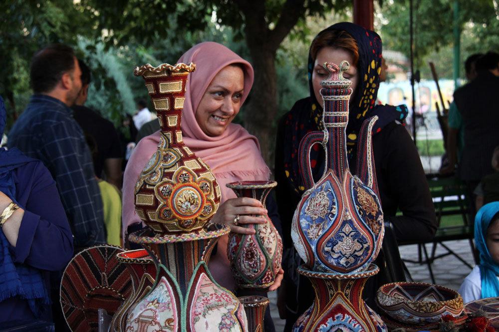 بازارچه و نمایشگاه ایران هنر