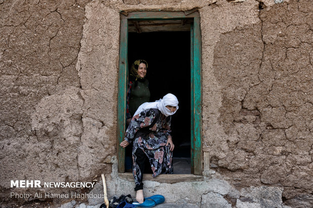 Women breadwinners in Khalkhal at a glance