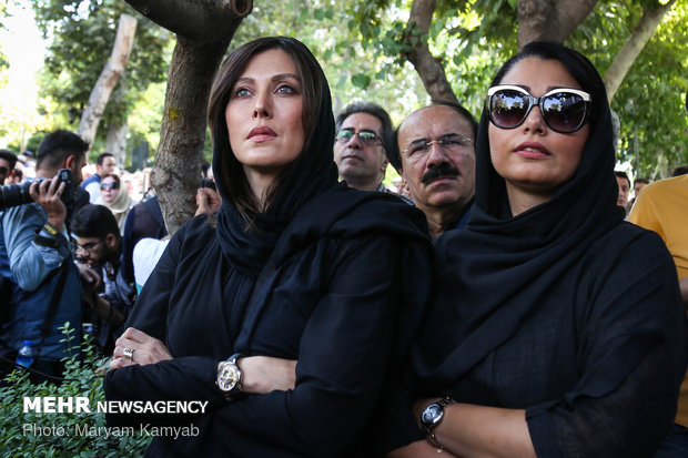 Funeral procession for Iranian actor Ezzatollah Entezami