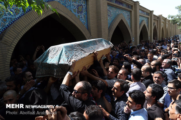 Iranian veteran actor buried in southern Tehran