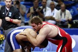 İranlı güreşçi ilk adımda Polonyalı rakibini yendi