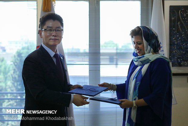 S Korea donates $2.2m to support refugees in Iran