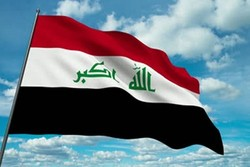 تجمع معترضان عراقی در نزدیکی یکی از میدانهای نفتی بصره