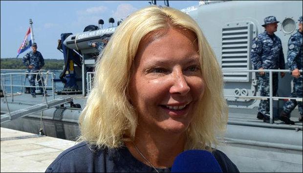 برطانوی خاتون بحری جہاز سے سمندر میں گر جانے کے دس گھنٹے بعد بھی زندہ بچ گئی
