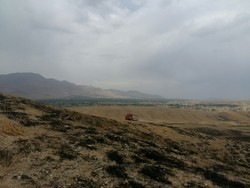 ۱.۵ هکتار از مراتع  روستای تنگ چنار طعمه حریق شد