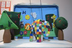 فیل ها هویت فردی را به کودکان نشان میدهند/ جنگل روی میز