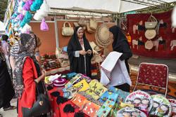 نمایشگاه تولیدات روستائیان شهرستان جم افتتاح شد