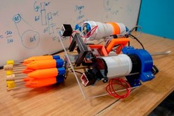 تولید رباتی که ماهی های خطرناک را شکار می کند