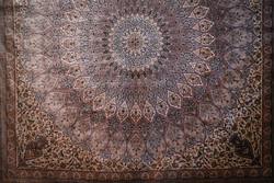 ۸۰۰ متر از فرش های دستبافت صحن حضرت زهرا در نجف اشرف آماده شد