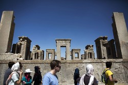 Azerbaijani tourist arrivals in Iran up 31.2% in Jan.-Oct.