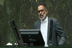 النائب عن الاهواز يقتنع بإجابات وزير النفط ولكن بشروط
