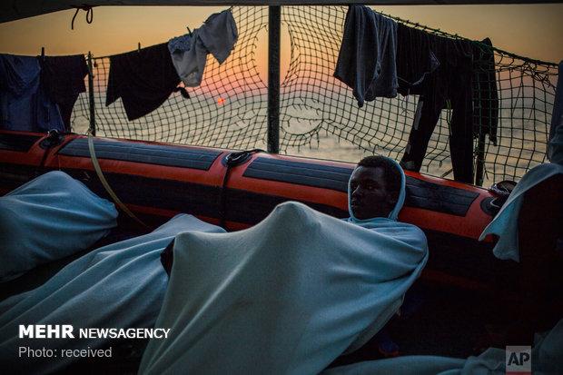 نجات پناهجویان از آبهای مالت