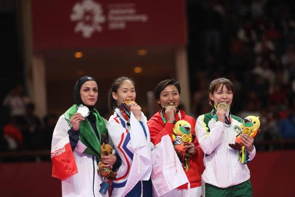 """اللاعبة الايرانية """"طراوات خاكسار"""" تتقلد فضية الكاراتيه في دورة الألعاب الآسيوية/فيديو"""
