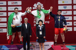 VIDEO: Iranian weightlifters grab medals at Asian Games