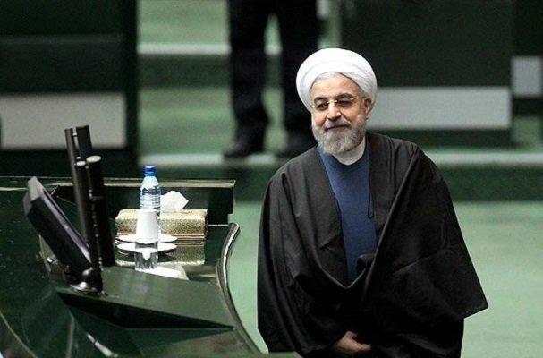 روحاني يقدم مشروع الموازنة المالية للبرلمان الايراني