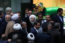 شوخیهای رئیسجمهور با مجلس/ روزی که روحانی شبیه رئیسجمهور سوئیس شد