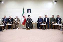 رہبر معظم انقلاب اسلامی سے صدر اور کابینہ کے اراکین کی ملاقات