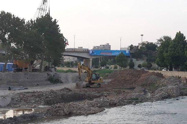 لایروبی رودخانه خرمآباد تا پایان هفته آینده به اتمام میرسد