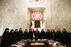 لاريجاني يلتقي لجنة عضوات مجلس الشورى الإسلامي /صور