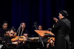 Bir kadının inanılmaz hislerini yansıtan dev konser