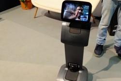 ربات شخصی که کاربر را تعقیب می کند و تماس ویدئویی می گیرد!