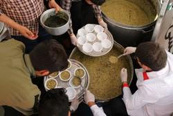 توزیع آش نذری به مناسبت عید غدیر در زنجان