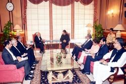 پاکستانی وزير اعظم عمران خان سے ایرانی وزیر خارجہ محمد جواد ظریف کی ملاقات