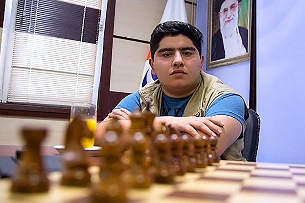 """اللاعب الايراني """"برهام مقصودلو"""" يحرز عنوان البطولة العالمية للشطرنج"""