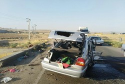 واژگونی خودرو پراید با ۵ مصدوم در اتوبان قم