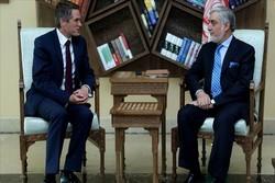 رئیساجرایی دولت افغانستان با وزیر دفاع انگلیس دیدار کرد