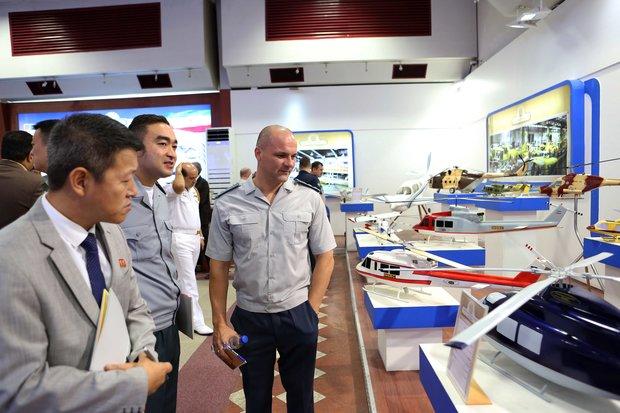Foreign attaches visit defense achievements exhibition in Tehran