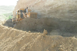 تسطیح و تیغه زنی ۱۱ کیلومتر راههای خاکی حوزه استحفاظی شهرستان آوج