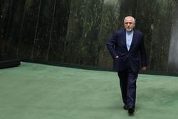 İranlı milletvekillerden Ruhani'ye Zarif'in istifasıyla ilgili acil çağrı