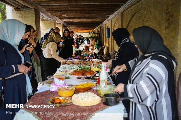 مهرجان سياحة الاطعمة وفن الطبخ في همدان