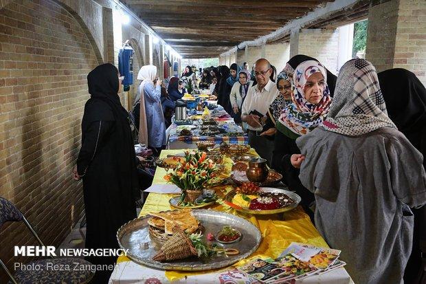 جشنواره گردشگری غذا و هنر درهمدان